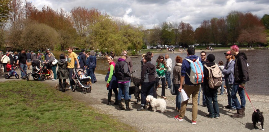 dog lovers at Trout Lake
