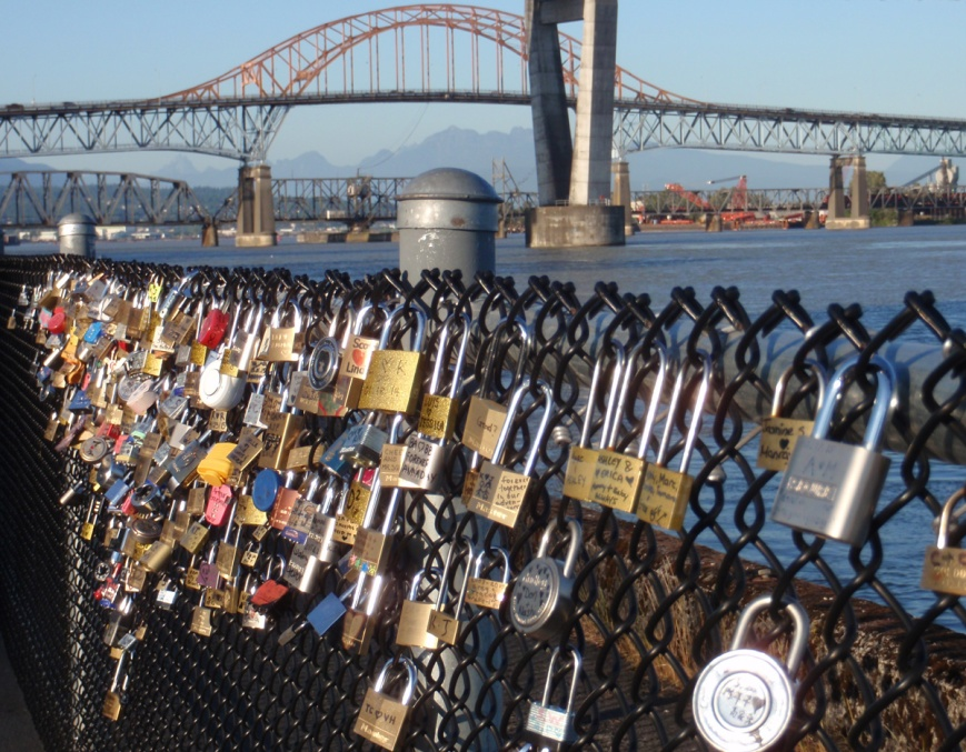 """Love locks"" on Fraser River in New Westminster"