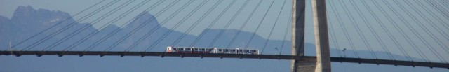 Skytrain bridge between NewWest and Surrey
